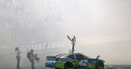Kyle Larson holds off Kevin Harvick to win Monster Energy NASCAR All-Star race