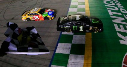 Kurt Busch wins thrilling Battle of the Brothers in overtime at Kentucky