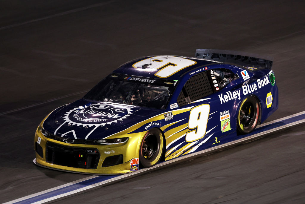 CONCORD, NORTH CAROLINA - MAY 28: Chase Elliott, driver of the #9 Kelley Blue Book Chevrolet, drives during the NASCAR Cup Series Alsco Uniforms 500 at Charlotte Motor Speedway on May 28, 2020 in Concord, North Carolina. (Photo by Chris Graythen/Getty Images) | Getty Images