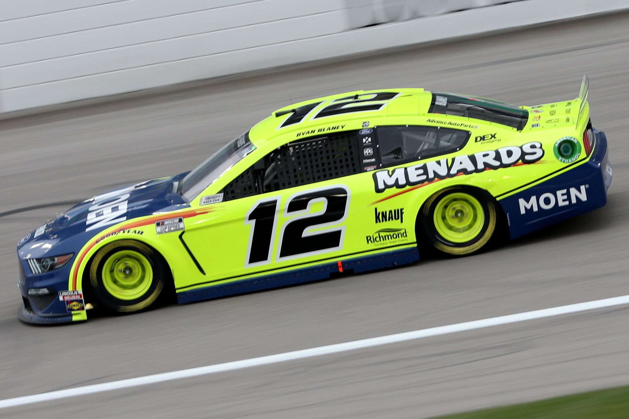 KANSAS CITY, KANSAS - OCTOBER 18: Ryan Blaney, driver of the #12 Ford, drives during the NASCAR Cup Series Hollywood Casino 400 at Kansas Speedway on October 18, 2020 in Kansas City, Kansas. (Photo by Chris Graythen/Getty Images) | Getty Images