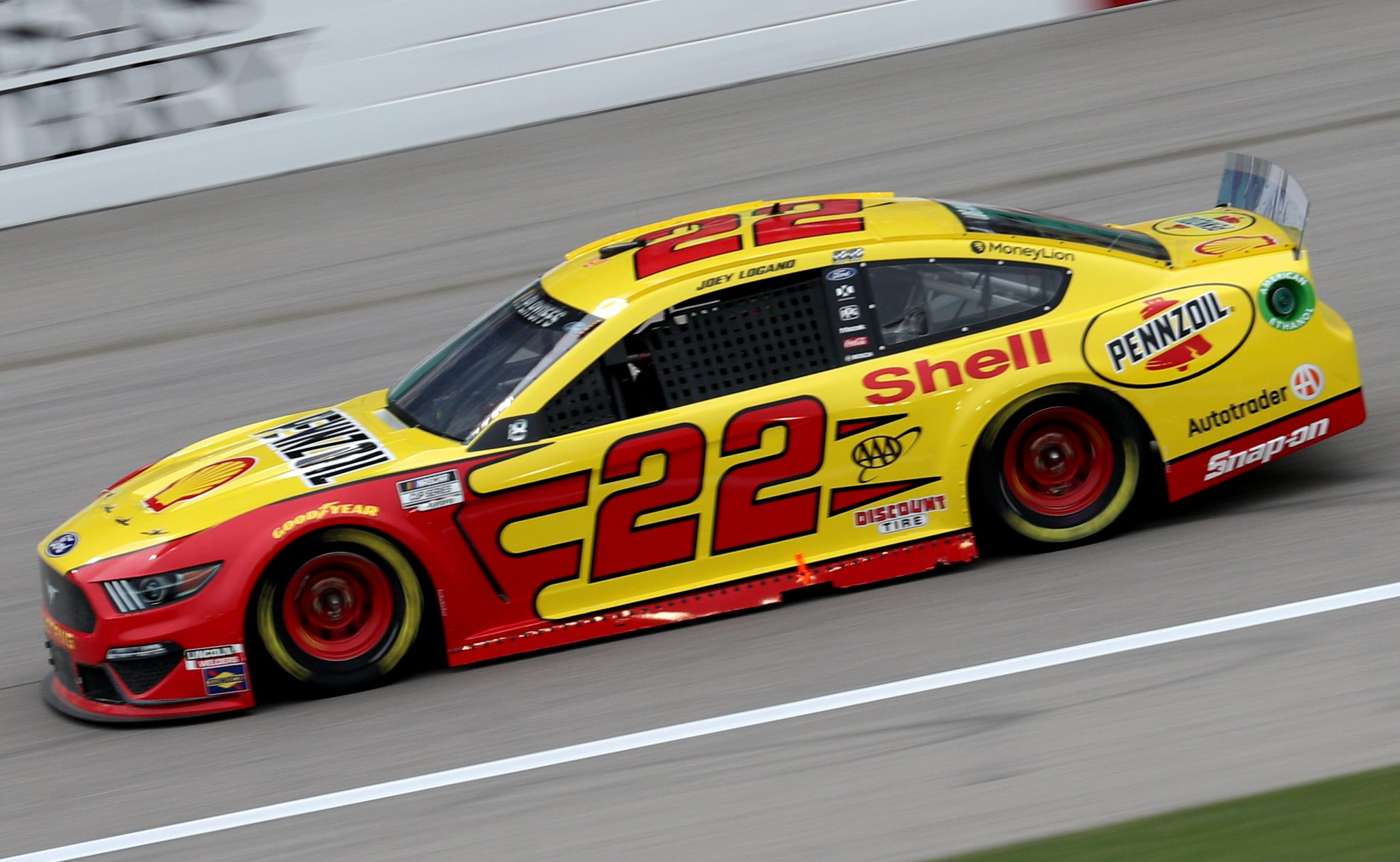 KANSAS CITY, KANSAS - OCTOBER 18: Joey Logano, driver of the #22 Shell Pennzoil Ford, drives during the NASCAR Cup Series Hollywood Casino 400 at Kansas Speedway on October 18, 2020 in Kansas City, Kansas. (Photo by Chris Graythen/Getty Images) | Getty Images