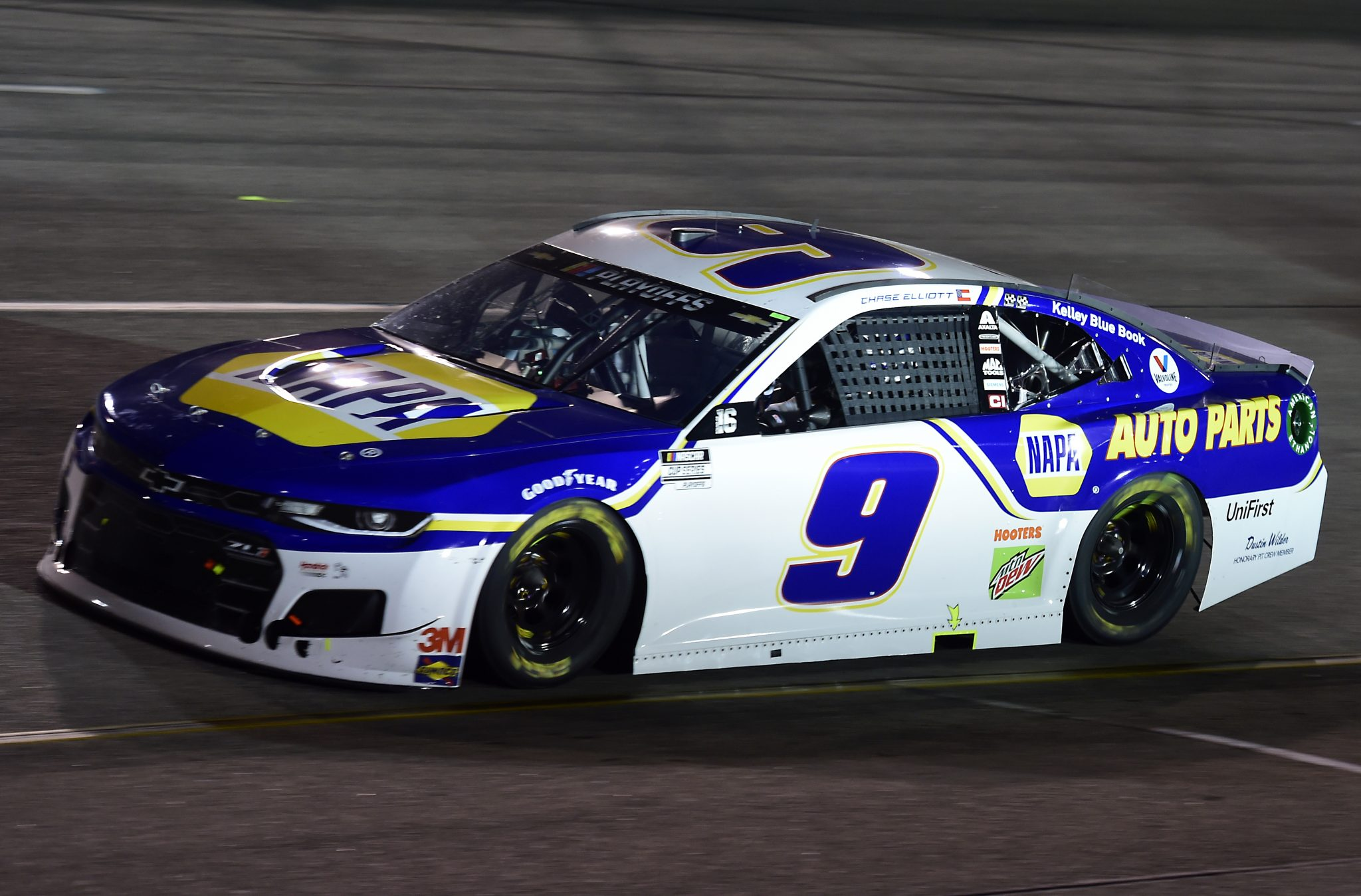 RICHMOND, VIRGINIA - SEPTEMBER 12: Chase Elliott, driver of the #9 NAPA Auto Parts Chevrolet, drives during the NASCAR Cup Series Federated Auto Parts 400 at Richmond Raceway on September 12, 2020 in Richmond, Virginia. (Photo by Jared C. Tilton/Getty Images) | Getty Images