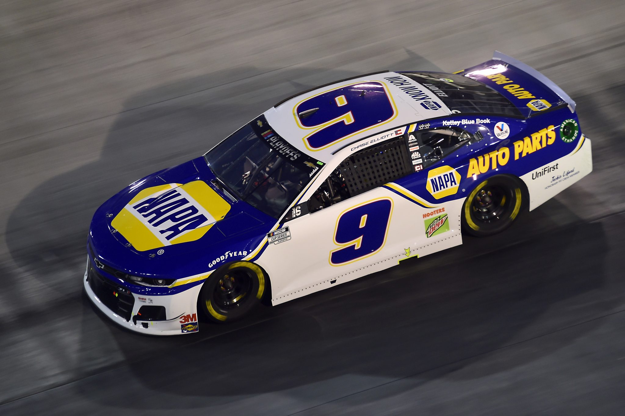 BRISTOL, TENNESSEE - SEPTEMBER 19: Chase Elliott, driver of the #9 NAPA Auto Parts Chevrolet, drives during the NASCAR Cup Series Bass Pro Shops Night Race at Bristol Motor Speedway on September 19, 2020 in Bristol, Tennessee. (Photo by Jared C. Tilton/Getty Images) | Getty Images
