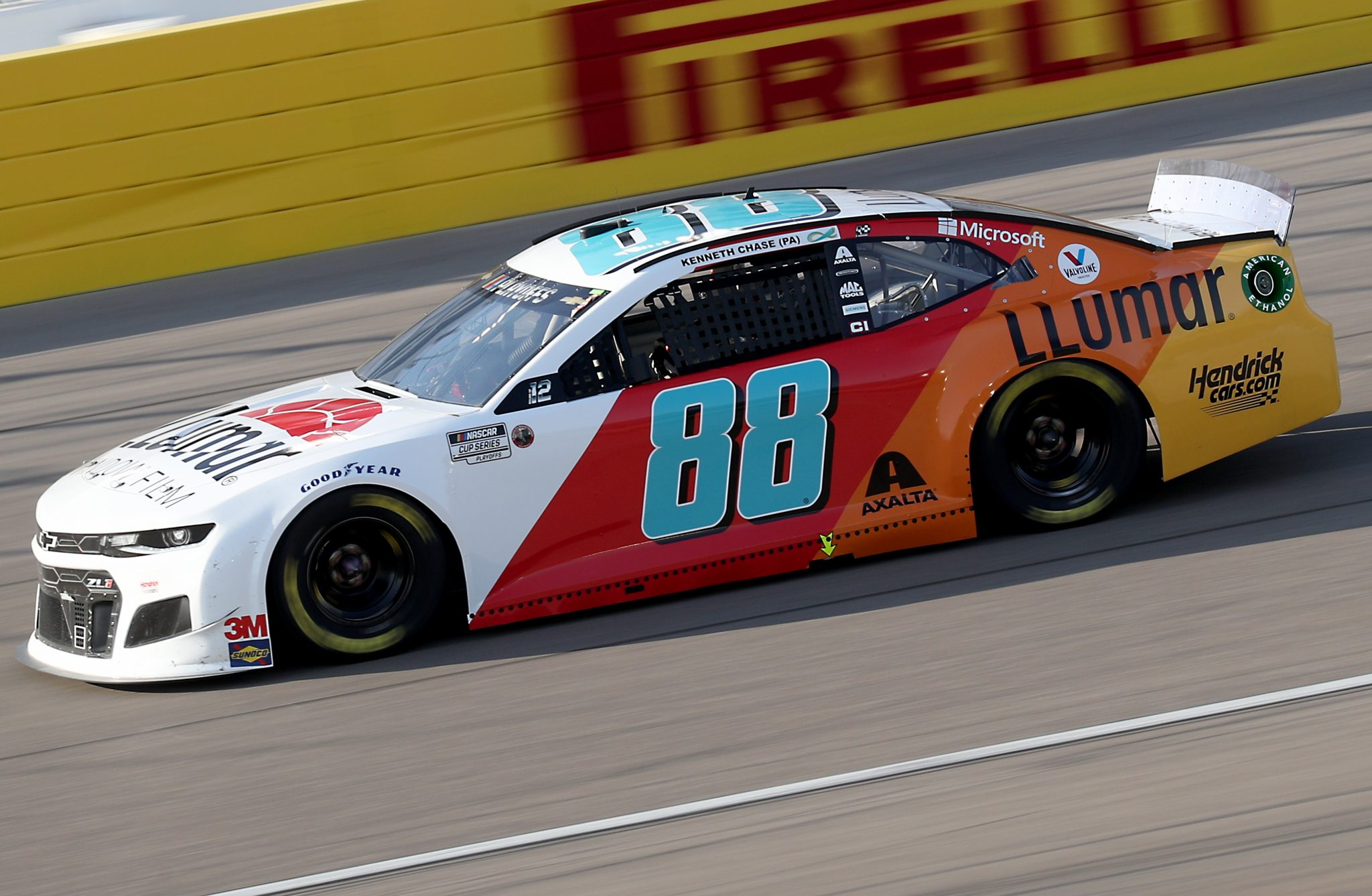 LAS VEGAS, NEVADA - SEPTEMBER 27: Alex Bowman, driver of the #88 LLUMAR Chevrolet, drives during the NASCAR Cup Series South Point 400 at Las Vegas Motor Speedway on September 27, 2020 in Las Vegas, Nevada. (Photo by Chris Graythen/Getty Images) | Getty Images