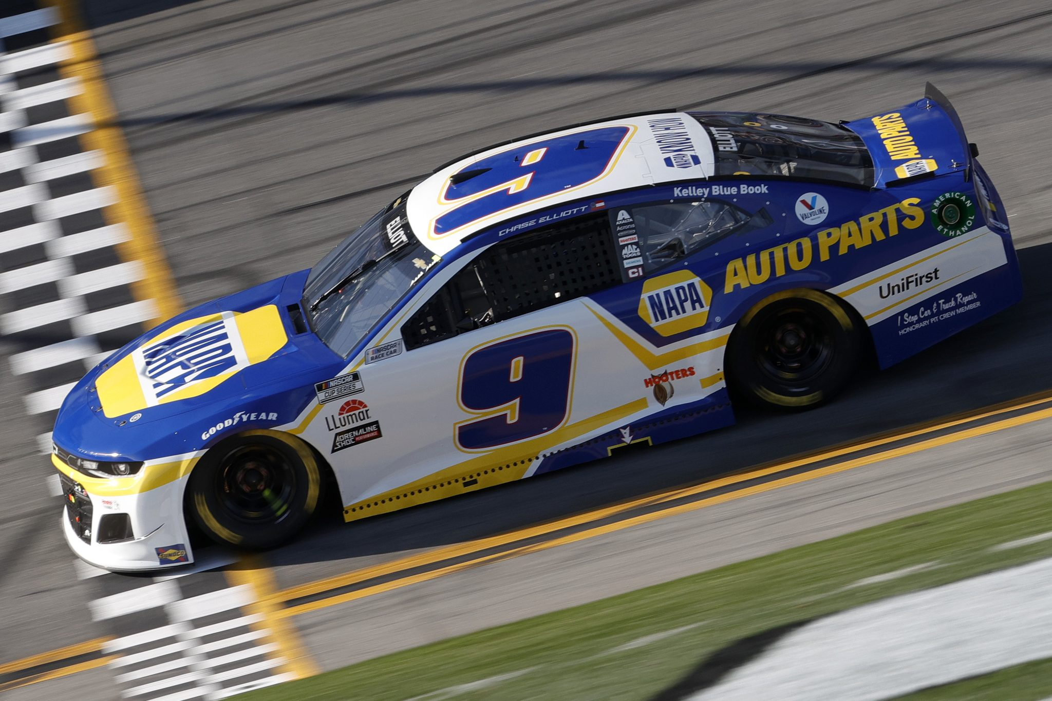 DAYTONA BEACH, FLORIDA - FEBRUARY 21: Chase Elliott, driver of the #9 NAPA Auto Parts Chevrolet, drives during the NASCAR Cup Series O'Reilly Auto Parts 253 at Daytona International Speedway on February 21, 2021 in Daytona Beach, Florida. (Photo by Chris Graythen/Getty Images) | Getty Images