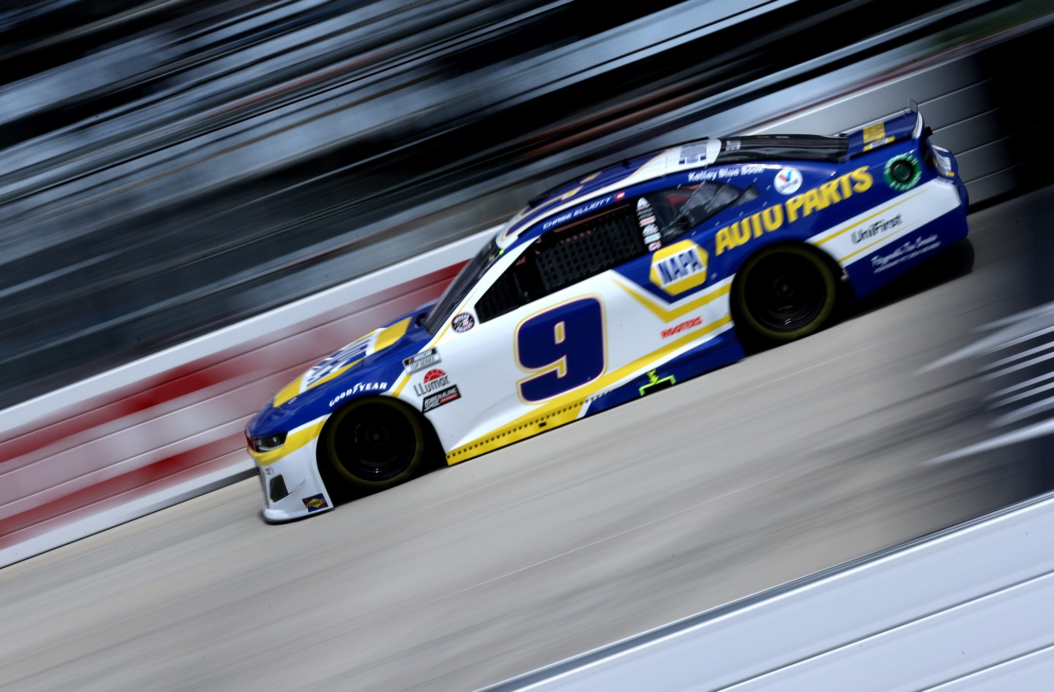 DOVER, DELAWARE - MAY 16: Chase Elliott, driver of the #9 NAPA Auto Parts Chevrolet, races during the NASCAR Cup Series Drydene 400 at Dover International Speedway on May 16, 2021 in Dover, Delaware. (Photo by Sean Gardner/Getty Images) | Getty Images