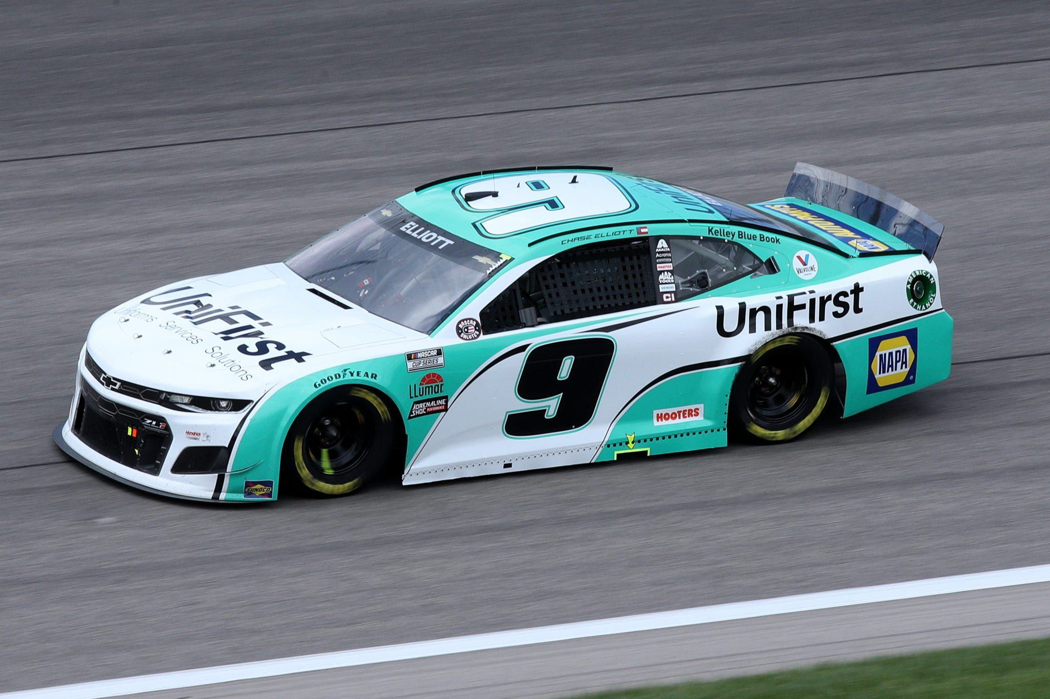 KANSAS CITY, KANSAS - MAY 02: Chase Elliott, driver of the #9 UniFirst Chevrolet, drives during the NASCAR Cup Series Buschy McBusch Race 400 at Kansas Speedway on May 02, 2021 in Kansas City, Kansas. (Photo by Sean Gardner/Getty Images) | Getty Images