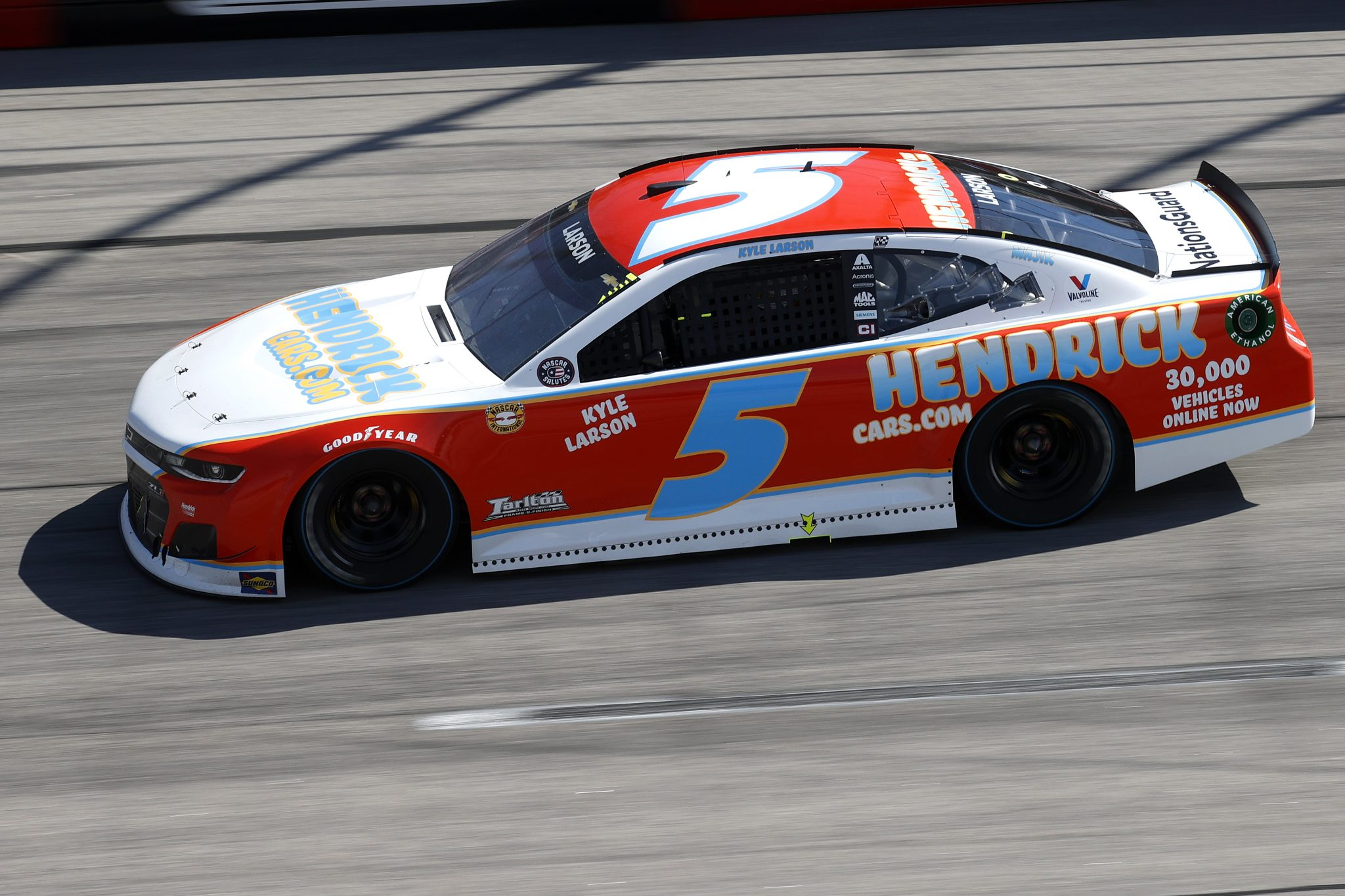 DARLINGTON, SOUTH CAROLINA - MAY 09: Kyle Larson, driver of the #5 HendrickCars.com Throwback Chevrolet, drives during the NASCAR Cup Series Goodyear 400 at Darlington Raceway on May 09, 2021 in Darlington, South Carolina. (Photo by Chris Graythen/Getty Images) | Getty Images