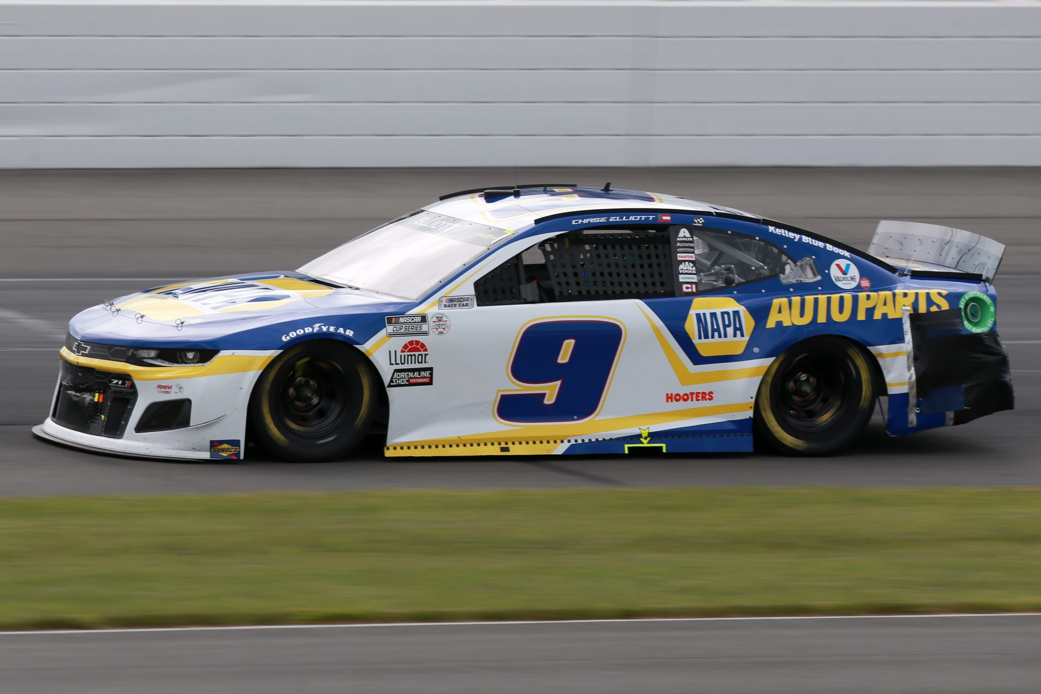 LONG POND, PENNSYLVANIA - JUNE 26: Chase Elliott, driver of the #9 NAPA Auto Parts Chevrolet, drives during the NASCAR Cup Series Pocono Organics CBD 325 at Pocono Raceway on June 26, 2021 in Long Pond, Pennsylvania. (Photo by Sean Gardner/Getty Images)   Getty Images