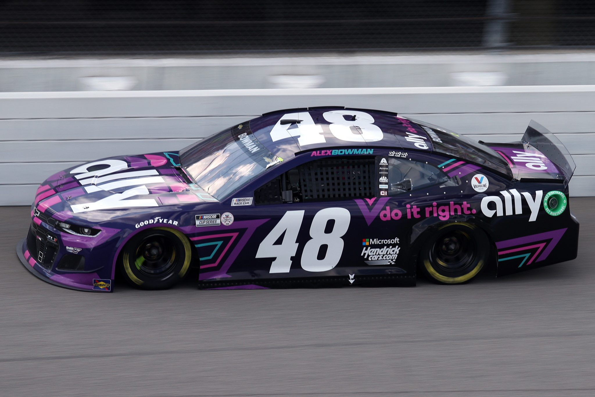 BROOKLYN, MICHIGAN - AUGUST 22: Alex Bowman, driver of the #48 Ally Chevrolet, drives during the NASCAR Cup Series FireKeepers Casino 400 at Michigan International Speedway on August 22, 2021 in Brooklyn, Michigan. (Photo by Sean Gardner/Getty Images) | Getty Images