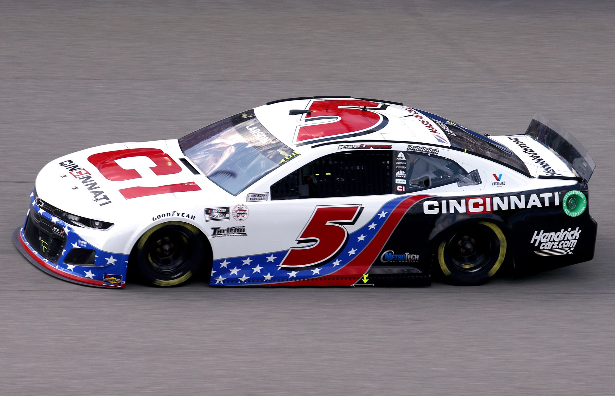 BROOKLYN, MICHIGAN - AUGUST 22: Kyle Larson, driver of the #5 Cincinnati Chevrolet, drives during the NASCAR Cup Series FireKeepers Casino 400 at Michigan International Speedway on August 22, 2021 in Brooklyn, Michigan. (Photo by Sean Gardner/Getty Images) | Getty Images